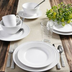 Beautiful 16-Piece White Dinnerware Set Round Dinner Dessert Plates Bowls Mugs