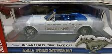"""AUTO WORLD 1:18 OFFICIAL INDIANAPOLIS """"500"""" PACE CAR 1964 1/2 FORD MUSTANG AW209"""