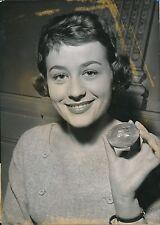 Annie Girardot 1956 - Actrice Remise du Prix Bianchetti Paris - PR 104