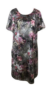 Ladies QUEEN OF EVERYTHING Velvet Floral Stretch Shift Dress. Size 1 (M). EUC
