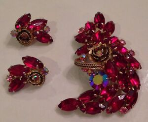 50S-60s Vintage Rhinestone Red Pink AB Pin Earring Set Juliana? Weiss?