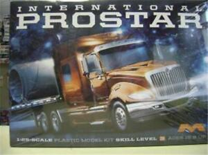 Moebius 1301 International Prostar model kit