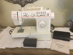 Vintage Singer Merritt Sewing Machine 4530 With Foot Pedal Manual Tested