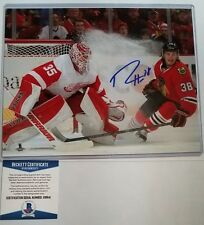 BECKETT-BAS RYAN HARTMAN ICE SPRAY SIGNED BLACKHAWKS 8 X 10 PHOTO + TOP LOADER