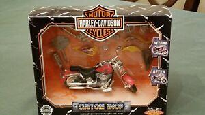 Harley Davidson Custom Shop FLSTF Fat Boy Scale 1:20 Die-Cast Motorcycle Red NIB