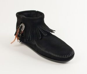 Minnetonka Women's Black Leather Concho Feather Moccasin Boot 520