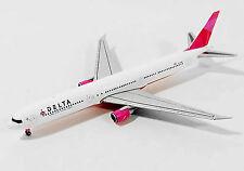 Herpa Wings Delta Air Lines Boeing 767-400 Pink Plane 562393, 1/400 Reg# N845MH