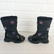 Toddler Totes black snowflake embroidered boots size 5