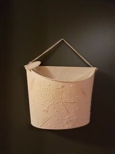 METAL HANGING WALL BASKET FOR FLOWERS OR CHRISTMAS CARD HOLDER SHABBY CHIC