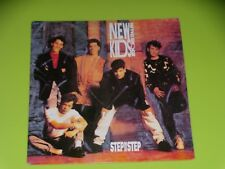 45 tours  - NEW KIDS ON THE BLOCK - STEP BY STEP - 1990