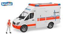 Bruder 02536 MB Sprinter Ambulanz mit Sanitäter Krankenwagen 1:16