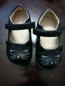 Children's Place Black Mary Jane Cat Size 5