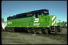 391070 USA Burlington Northern EMD GP 30m 2224 1981 A4 Photo Print