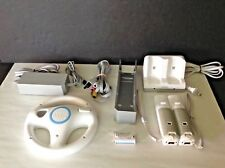 Lot Nintendo Wii Wall AC Power Supply, Audio Video AV 3 RCA Cable, 2 Controller