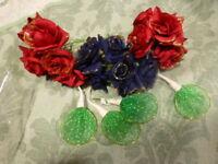 lot   les30 petites fleurs bleues et rouges pour déco ouchapeaux