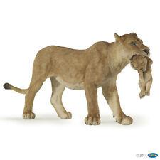 Löwin mit jungem Wildtiere Papo Figuren Nr. 50043