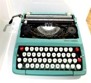 1960's Corsair Deluxe Teal Smith Corona Typewriter-Portable 6Y779815W