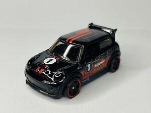 Hot Wheels Mini Cooper s challenge Mystery Models Series 1 New in Original Pack