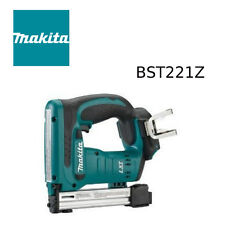 Makita BST221Z 18V LXT Li‑Ion Cordless 3/8 in. Crown Stapler Kit (TOOL ONLY)
