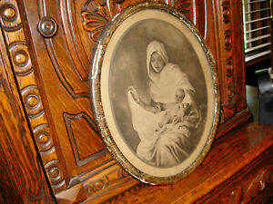 vintage Catholic Print Picture  -  Blessed mother with Baby Jesus Round Frame