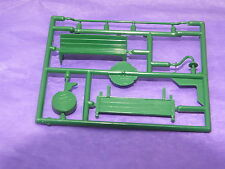S9862 # HORNBY TRIANG STATION FITTINGS FRET SEAT/CLOCK/LIGHT/N/BOARD GREEN  U22A