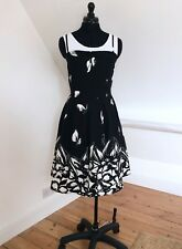 Rockabilly Vintage Style Black/White Floral Pleated Flared Strappy Dress. Sz 16