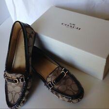 Coach New York, Flynn 12 CM SIG C/Patent Khaki/Chestnut Women's Shoe