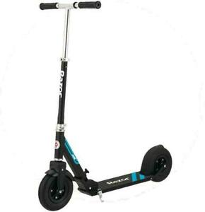 7297 Razor A5 Air Black Outdoor Ride On Scooter - used very little