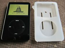 APPLE  IPOD CLASSIC 5TH GEn 30GB A1136 MP3 PLAYER-- Works Great!!! Bundle