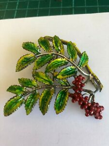 Leaf and Berry enamel Exquisite brooch