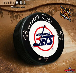 BOBBY HULL Signed Winnipeg Jets Puck - Chicago Blackhawks Legend