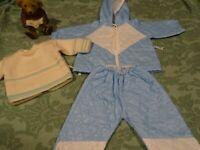 lot= bleu ;vintage 3piéces vétement matelassé  griffé COROLLE+pull tricoté main