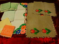 lot 12serviettes tables  vintage diverses du brodé main ,croquet etc ...