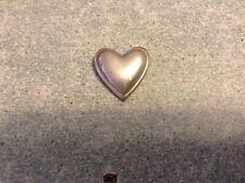 Petit coeur en métal argenté idéal à coller ou autre