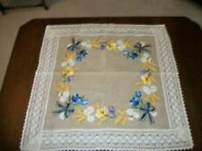 60's NEVER USED LINEN CREWEL EMBROIDERY FLORAL BOW TABLE CLOTH COTTAGE LACE