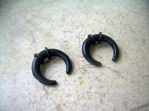 Pair Silicone Pincher Ear Plugs Taper Buffalo Black Flex 2g 3/4 Horseshoe Claw