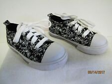 EUC Childrens Place Toddler Black & White Canvas Laces Tennis Shoes Rubber Toe 8