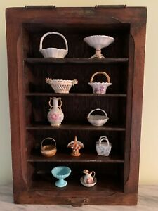 VINTAGE WOOD SHADOW BOX MINIATURES DISPLAY WITH COLLECTION OF BASKETS