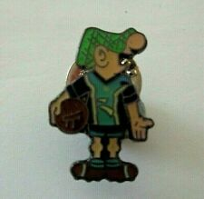 ANDY CAPP IN HARTLEPOOLS  OLD FOOTBALL KIT ENAMEL LAPEL  BADGE--ANDYS HOME TOWN