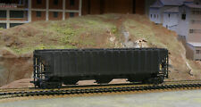 HO SCALE VINTAGE FREIGHT CAR ATHEARN 5300 UNDECORATED 3 BAY COVERED GRAIN HOPPER