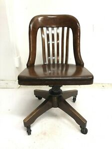 Vintage WOOD OFFICE CHAIR swivel banker desk courthouse lawyer antique rolling