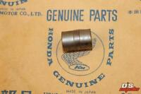 GENUINE HONDA PARTSWASHER// BUSH CUSHION ARM CR125R 250R 500R 1984 52464-KA3-730