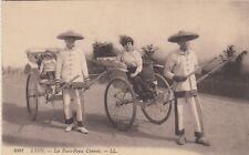 Carte postale ancienne LYON expo internationale 1914 1001 LL pouss-pouss chinois