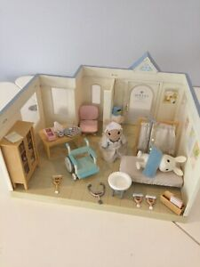 Sylvanian Families General Hospital With Figures & Accessories