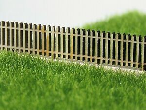 HO SCALE PICKET FENCE Flat top 16mm high x 100mm (x 4) Laser cut Pine New
