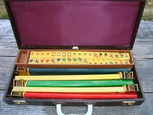 Vintage Royal Mahjong Mah Jong Set 152 Bakelite Tiles and 5 Racks Original Case