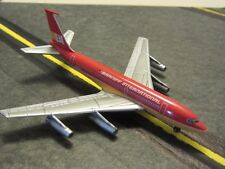 Boeing 707 in Braniff livery, 1/400 scale, die-cast model by Dragon Models