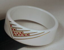 Superbe bracelet vintage en lucite sculpté décoré 1970 - Made in France