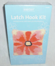 HOBBYCRAFT - LATCH HOOK CUSHION KIT - NEW  (G1741)