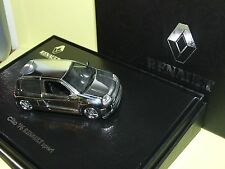RENAULT CLIO V6 CHROME UNIVERSAL HOBBIES 1:43 coffret